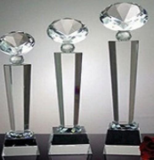Cúp pha lê kim cương